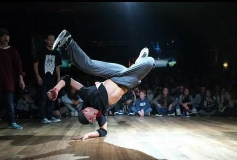 breakdancing-yak-films-hip-hop-new-school