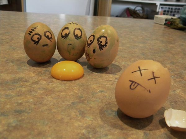 egg drawing 06 Funny Egg Drawings (Photo Gallery)