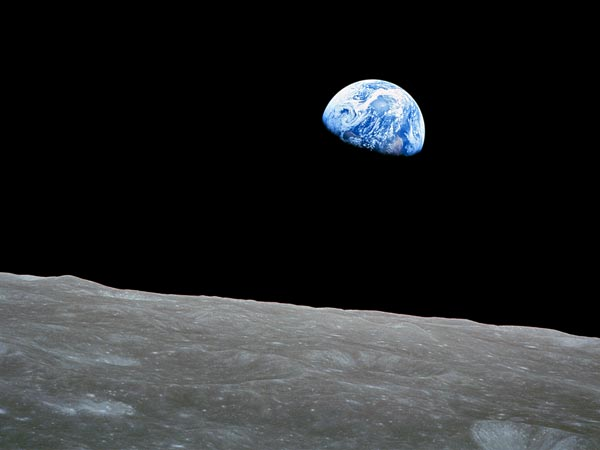awe-inspiring-views-earth-apollo Earth from Space